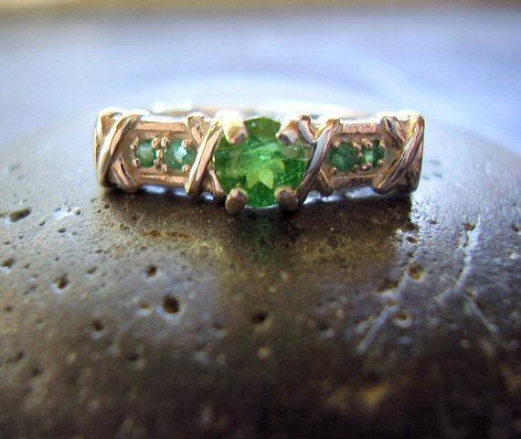 Mariage - Merida - Genuine Tsavorite Garnet & Emerald Ring - Solid 925 Sterling Silver Ring - Alternative Engagement Ring - Unique Wedding Ring