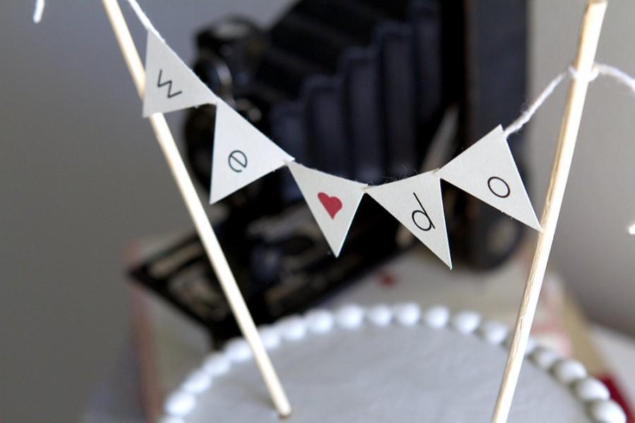 Свадьба - We Do Burlap Alternative Bunting Banner Wedding Cake Topper, Just Hitched Cake Topper, Mini Cake Topper