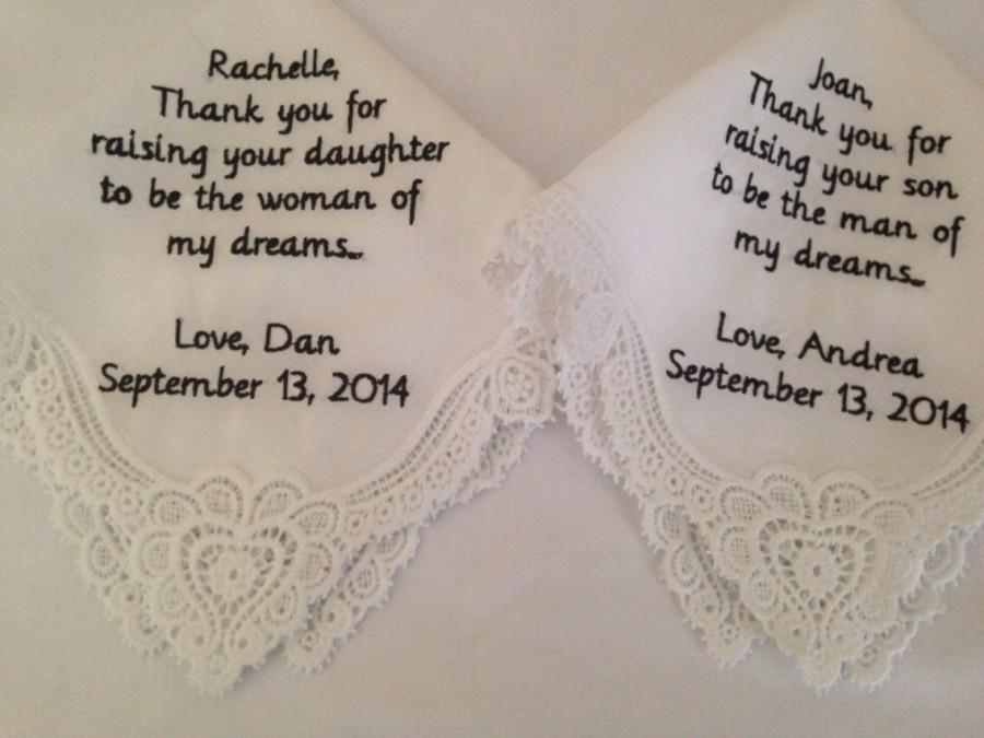 Mariage - Set of two mother of the bride mother of the groom personalized handkerchiefs hankie handkerchief