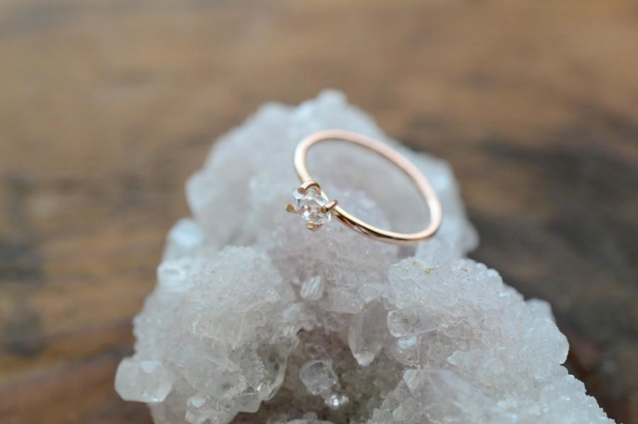 زفاف - Herkimer 14K Rose Gold Ring. Promise Herkimer Diamond Quartz Ring. April Birthstone. Raw Diamond Quartz Prong Ring in Rose Gold