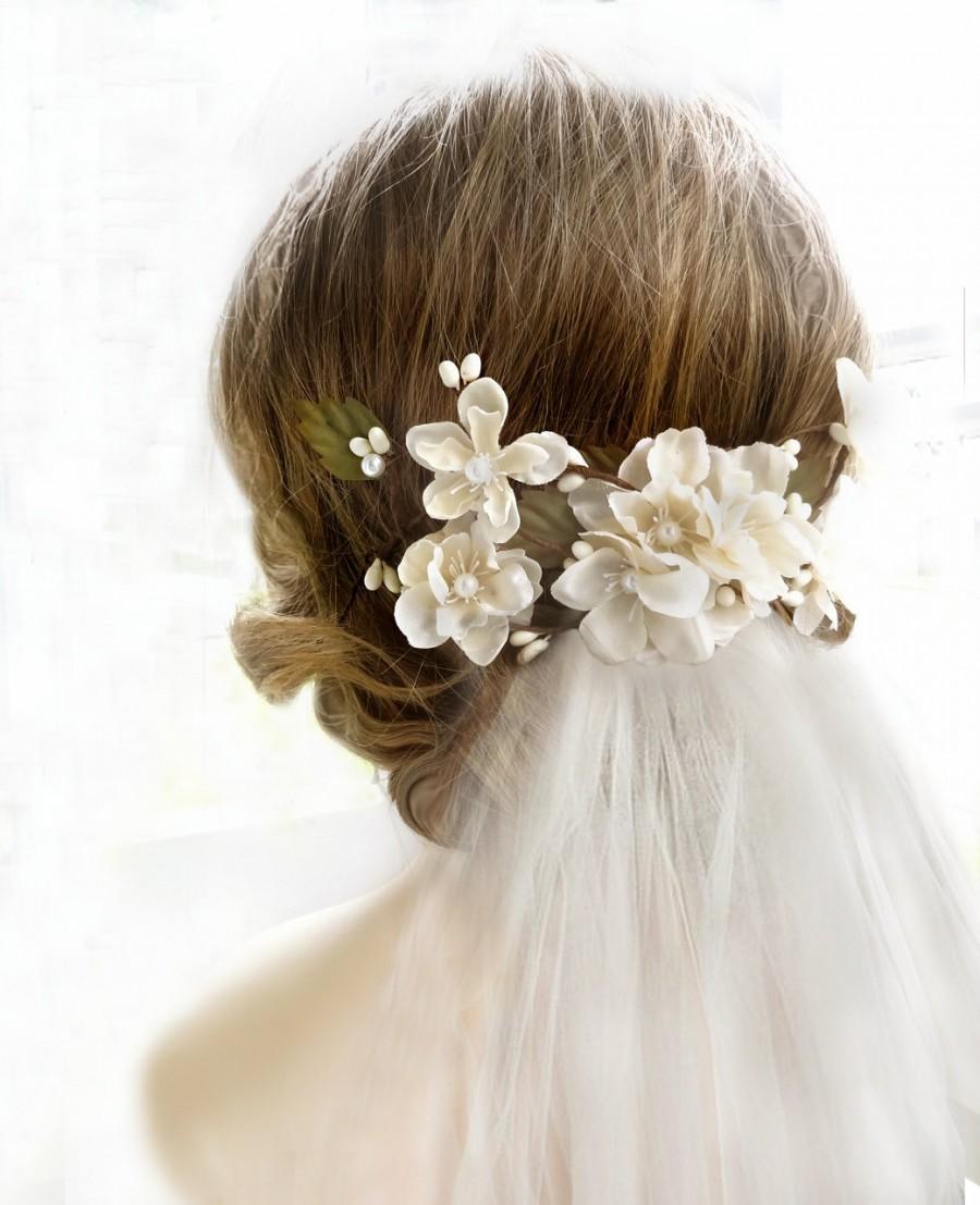 Bridal hair accessories for long hair - Bridal Headpiece Cream Bridal Flower Hair Clip Hair Accessories Flower Hairpiece With Veil Champagne Floral Hair Comb Bridal Hair Piece