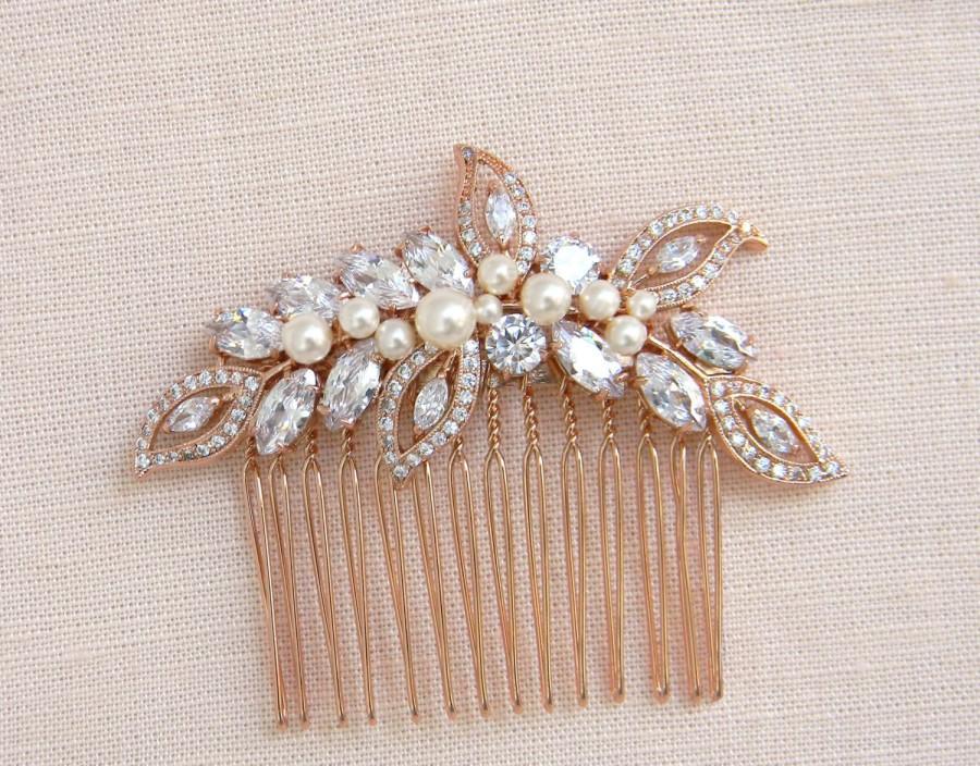 Mariage - Rose Gold Bridal Comb, Rose Gold Wedding headpiece, Hair clip, Wedding hair comb, Swarovski Pearls, Wedding jewelry, Linneah Bridal Comb