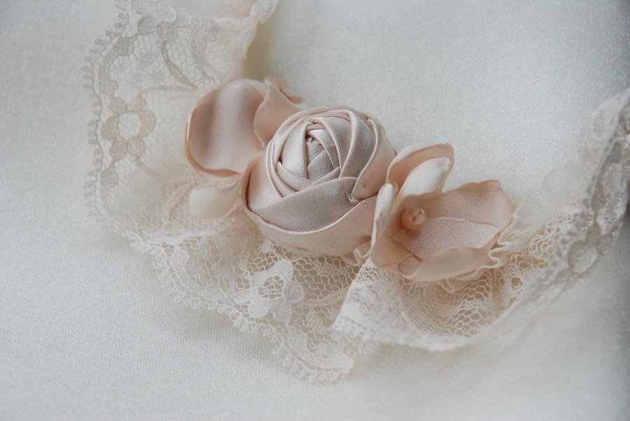 Hochzeit - Champagne lace bridal garter;lace floral bridal garter;champagne wedding garter