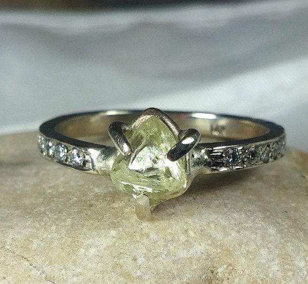 Mariage - natural clear raw diamond ring, engagement ring, white gold and uncut diamond ring, gem quality rough diamond ring