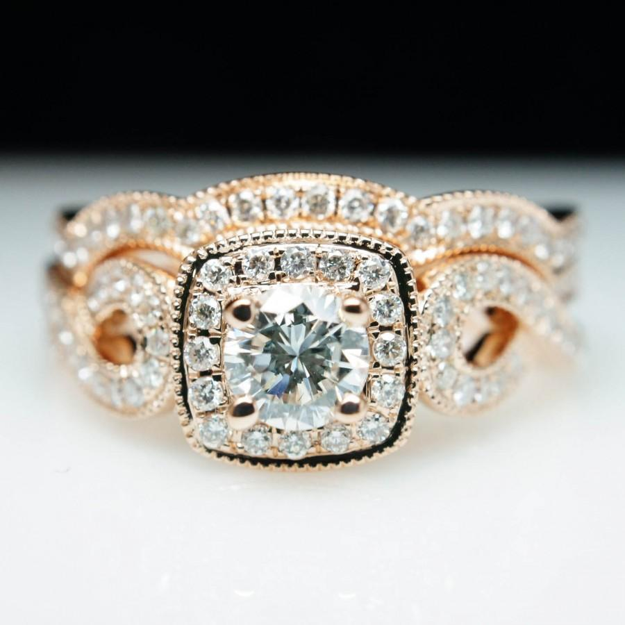 Mariage - Beautiful .93cttw Round Diamond Halo Rose Gold Engagement Ring & Matching Band - Size 6 -(Complete Bridal Wedding Set)