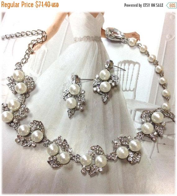 Mariage - Bridal jewelry set, wedding jewelry, bridesmaid jewelry set, backdrop necklace earrings, vintage inspired pearl necklace, bridal necklace