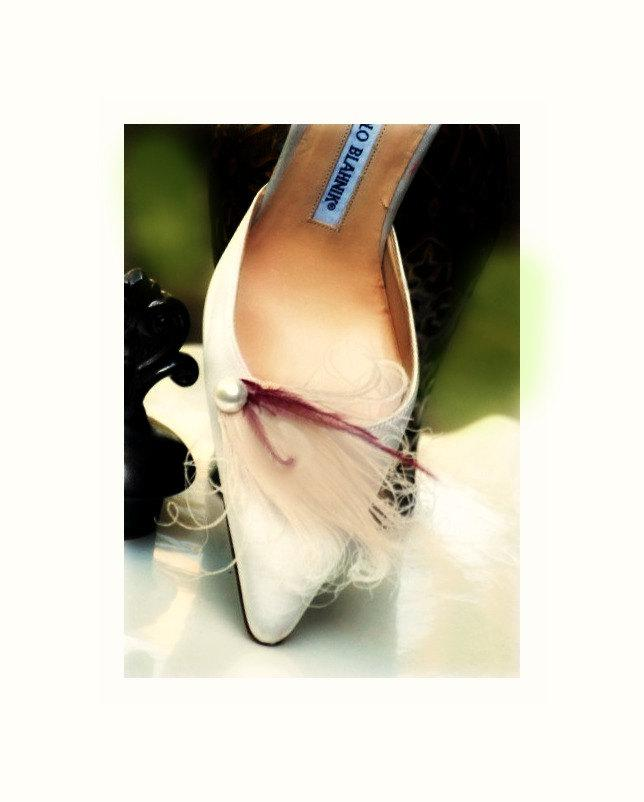 Mariage - Pearl Plum & Ivory Peacock Shoe Clips Set. Stylish Feminine Couture Statement Stunning, Bride Bridal Bridesmaid MOH Gift, Beige Vanilla Clip