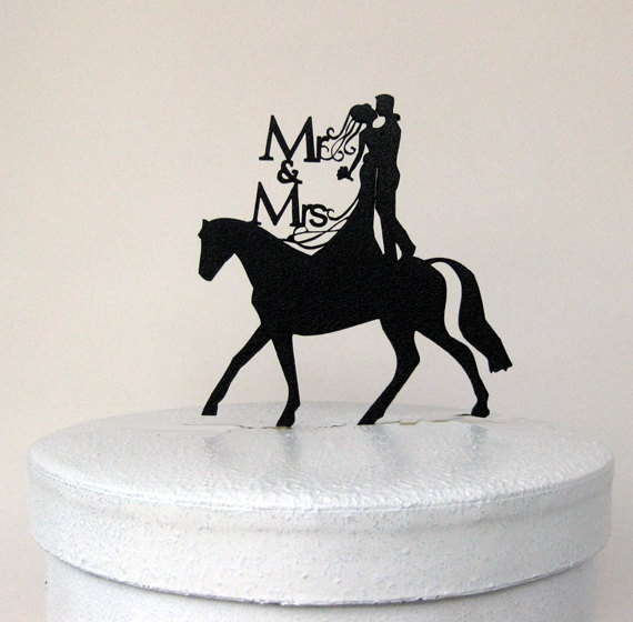 Свадьба - Wedding Cake Topper - Mr and Mrs with horse