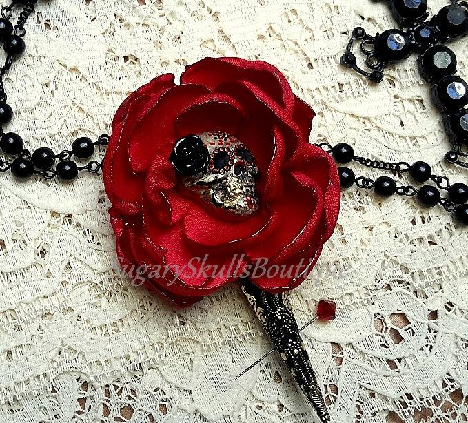Mariage - Day of the Dead Sugar Skull Wedding Boutonierre, Book of Life Movie, Bride Groomsmen, Garter Toss, Dia de los Muertos, Prom, Steampunk
