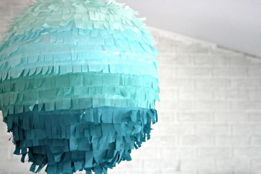 Mariage - piñata DIY kit  - ombré lantern fringe edition ... birthday party decoration / weddings / gender reveal