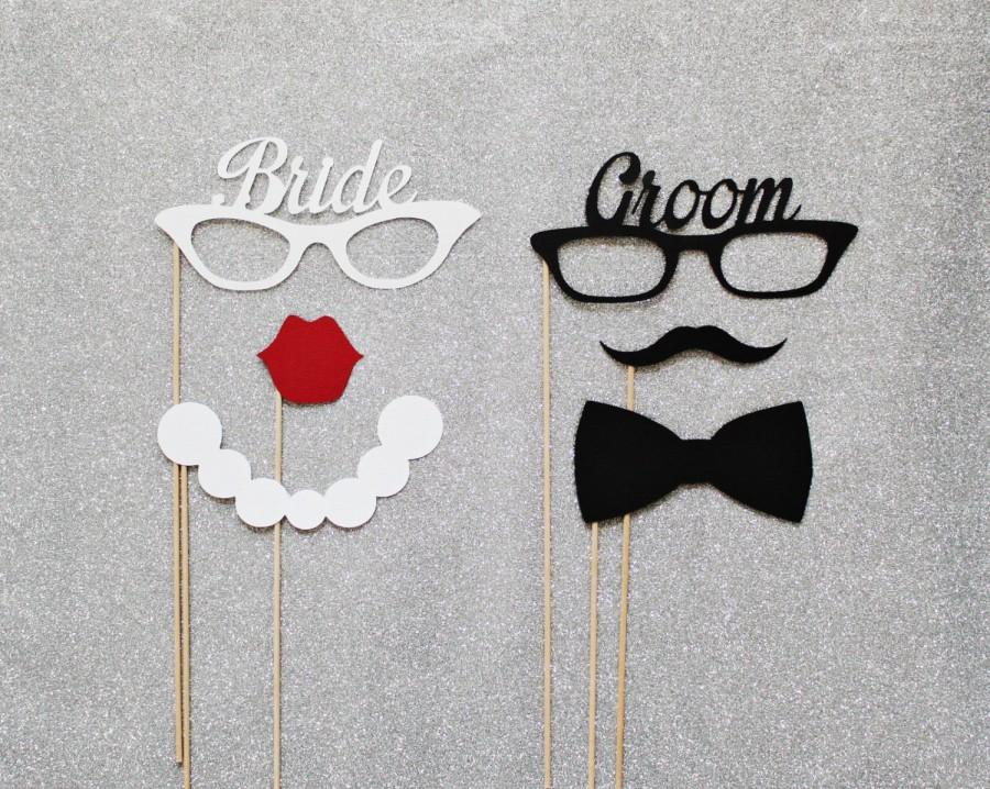 Mariage - Groom and Bride Glasses Photo Booth Prop Set. Photo Booth Props. Mustaches and Lips. Set of 6.