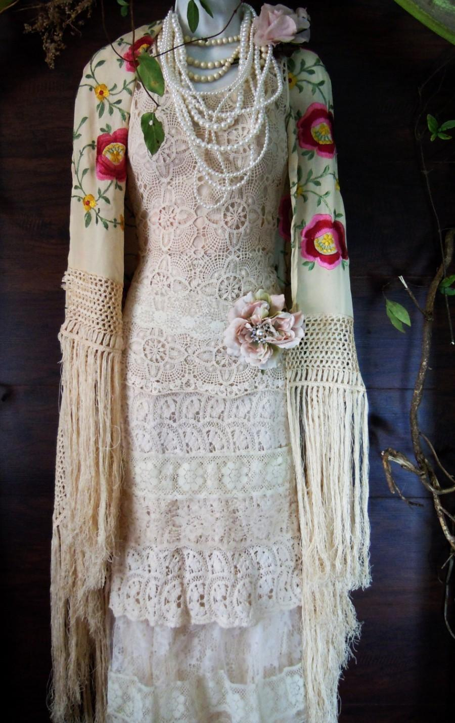 Mariage - Boho lace dress wedding dress cream  lace tulle tiered   flapper  vintage  bride outdoor  romantic xs  by vintage opulence on Etsy