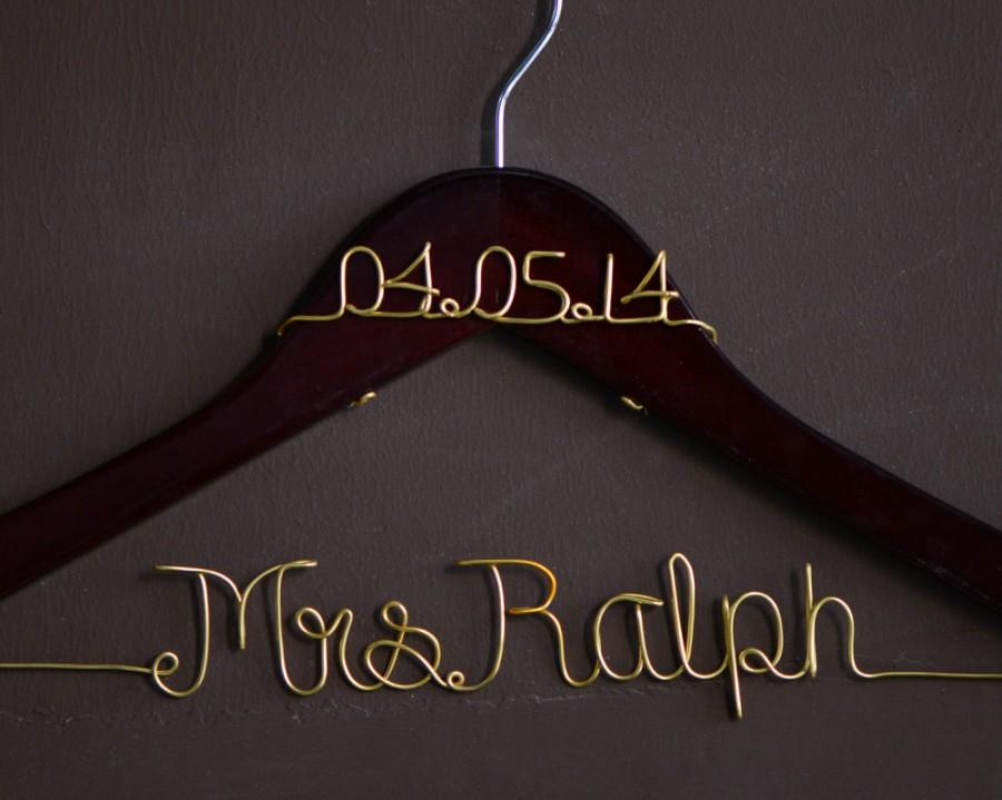 Mariage - Promotion, Single Line Wire Name Hanger, Custom Wedding Hanger, Personalized Bridal Hanger, Bridesmaids Name Hanger