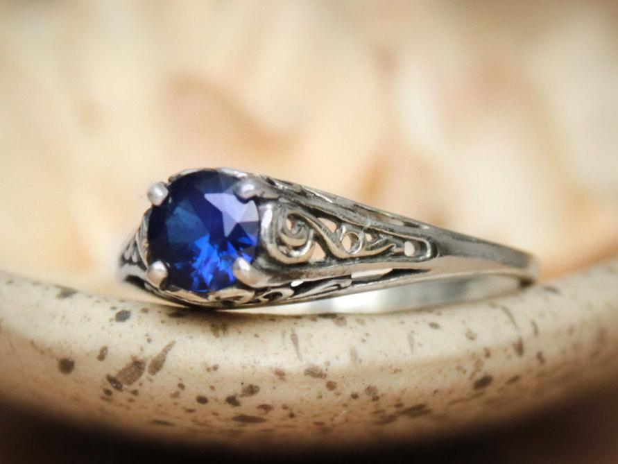 Свадьба - Size 6.75 - Filigree Blue Sapphire Ring in Sterling Silver - Dainty Vintage Style Promise Ring or Engagement Ring  - Ready To Ship