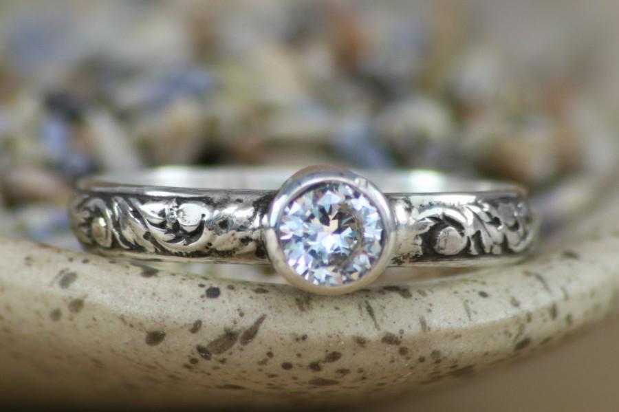 زفاف - Size 9.25 - Ready To Ship - White Sapphire Engagement Band with Floral Band in Sterling - Silver Bezel-Set Faceted Sapphire - Gift For Her