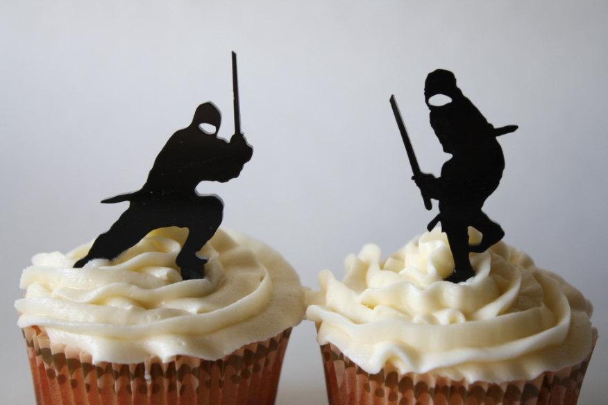 Mariage - 12 Ninja Cupcake Toppers (Acrylic)
