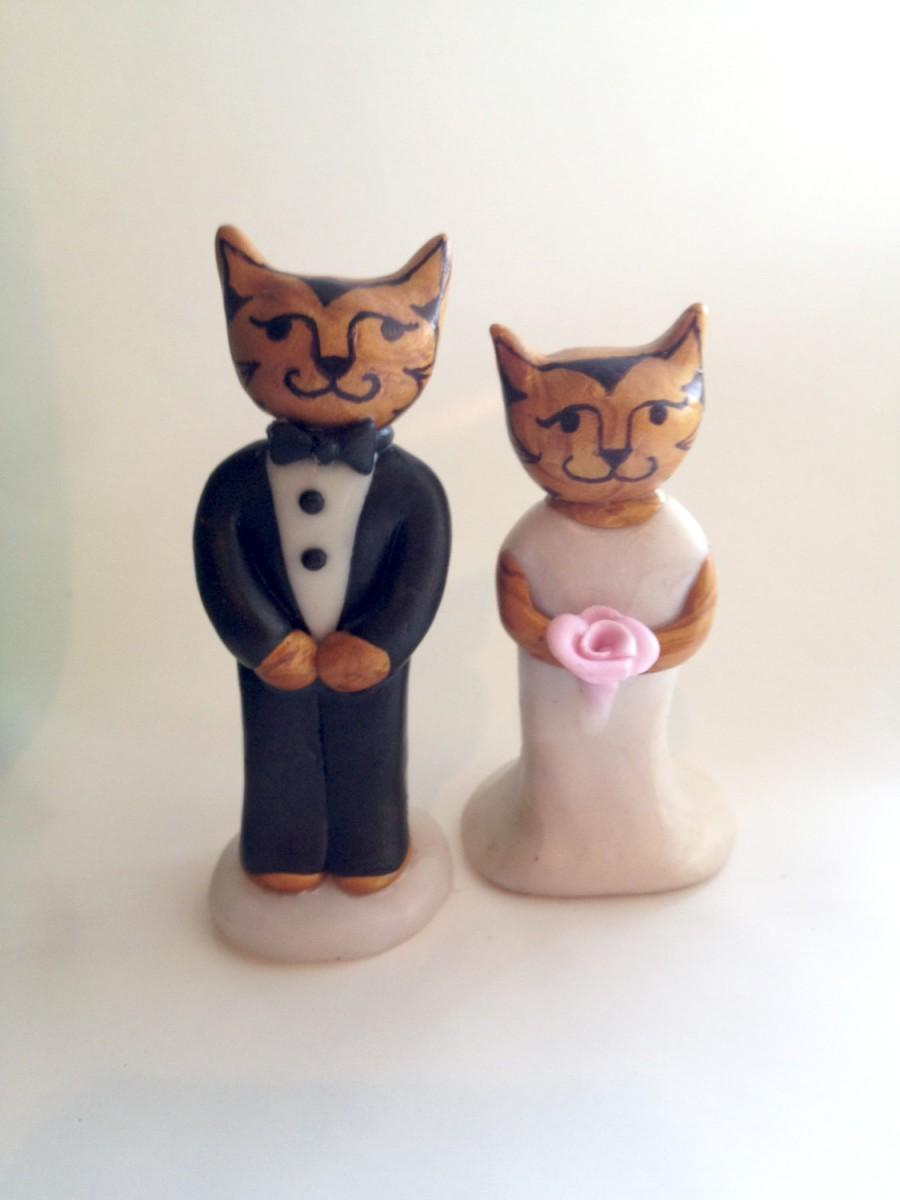 Mariage - Elegant Cats Wedding Cake topper. Cat Wedding Cake Topper. Clay animal cake topper. Downton Tabby Cake Topper.