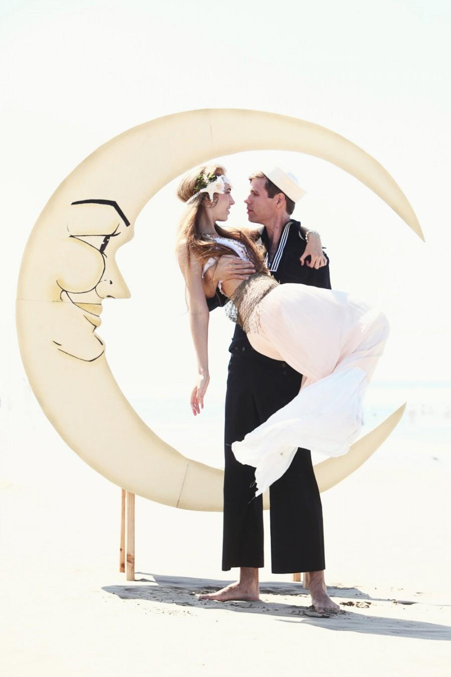 Mariage - Glitter Jazz Age Paper Moon and Bench Photo Booth