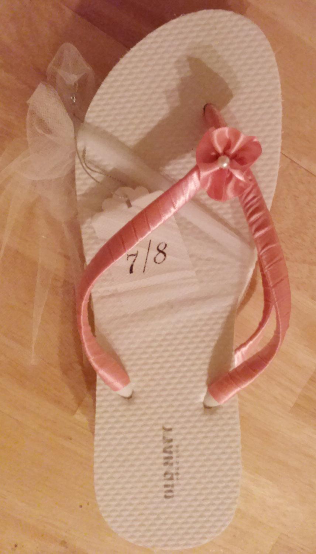 "Свадьба - Flip flops for wedding guests, bride and bridesmaids ""dancing feet"""