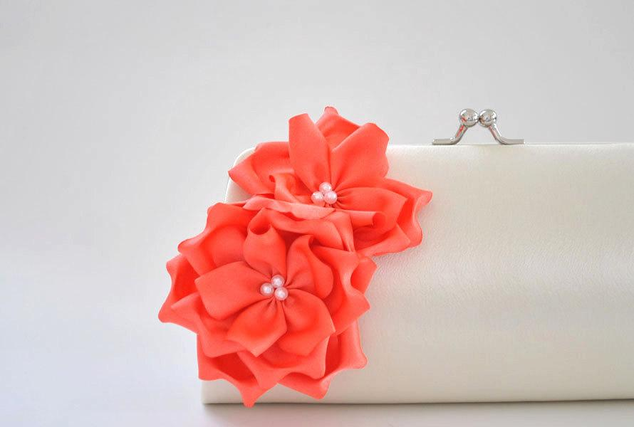 Hochzeit - Ivory - Living Coral - Bridal clutch / Bridesmaid clutch