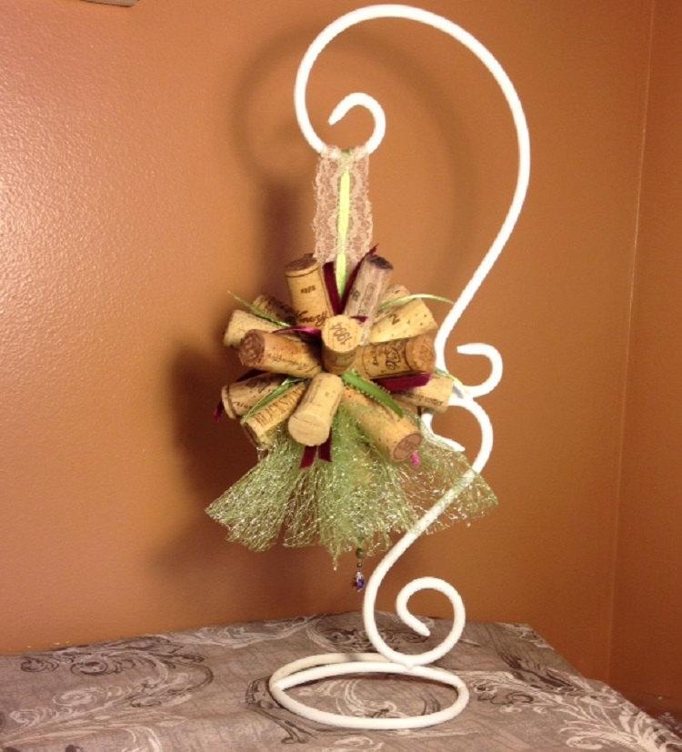 Hochzeit - Wine Cork Bouquet Décor for Wedding Chair, Flower Girl, Bridesmaid for Winery Venue