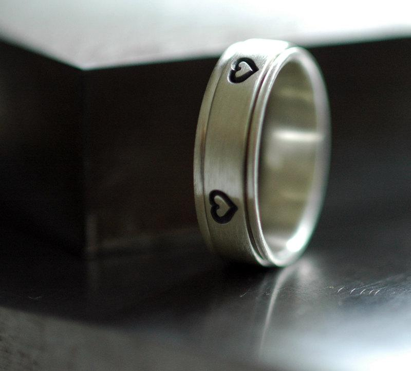 Hochzeit - Hearts - Spinner Ring in Sterling Silver - Handmade to Order
