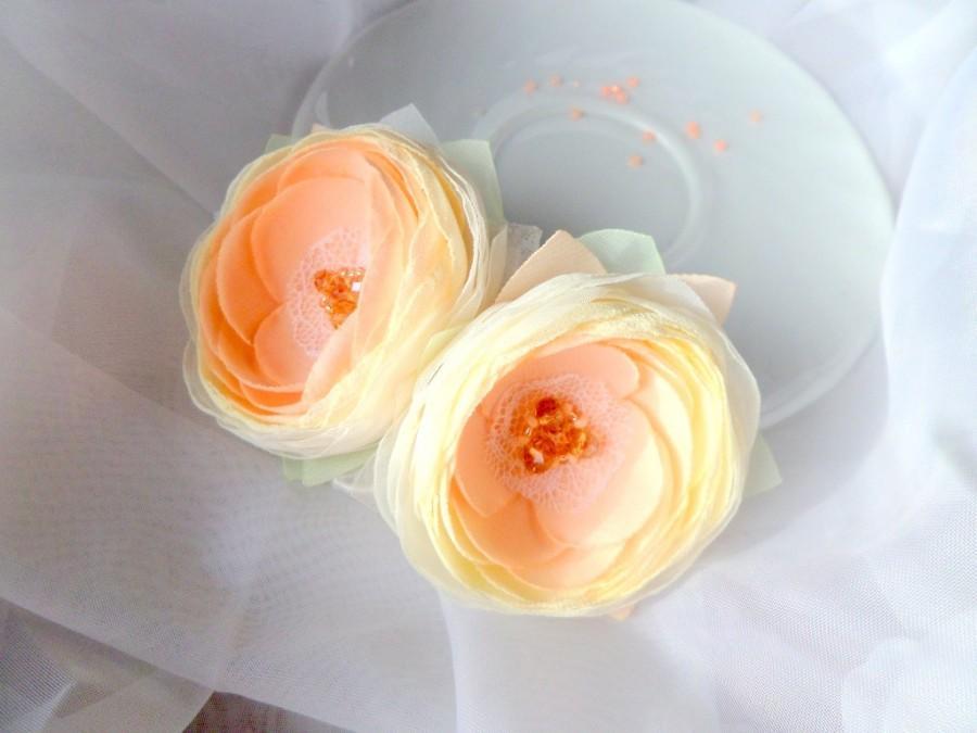 Hochzeit - Peach wedding, Accessories hair, Wedding accessories, Peach flowers, Brooch, Clip for hair, Bride, Wedding jewelry handmade flower, Gift,