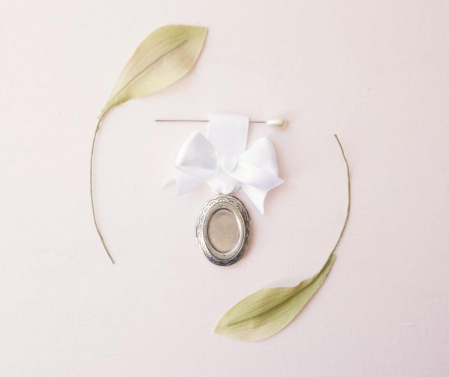 زفاف - Bouquet charm, Wedding bouquet pin, Silver vintage locket, photo frame locket, Bouquet locket charm, Bridal accessory, Wedding