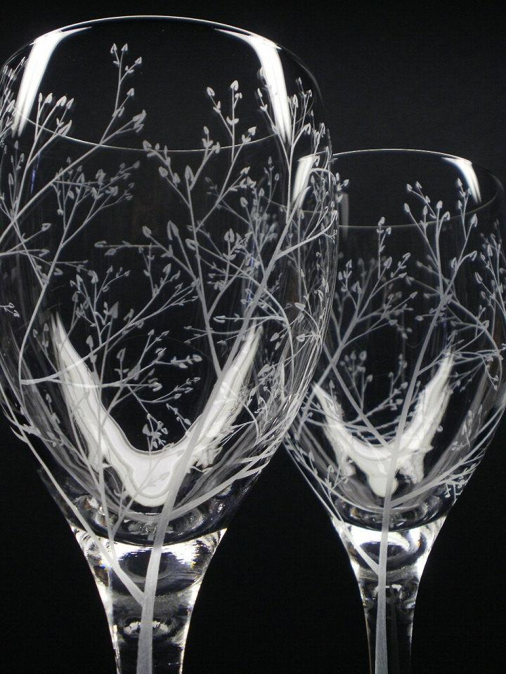 Hochzeit - Two 11.5 oz. Wine Glasses 'Branches & Leaves' Hand Engraved Wedding Gift Bridal Party Crystal Glass Stemware Spring Bar ware
