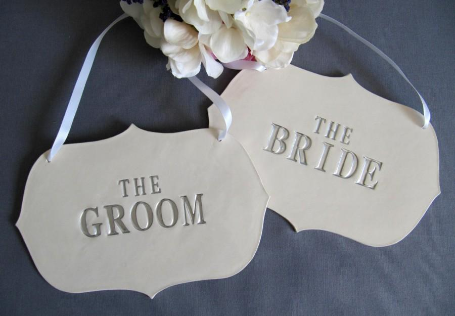 Hochzeit - Large Silver 'The Bride' & 'The Groom' Wedding Sign Set to Hang on Chair and Use as Photo Prop - Available in silver, gold or black letters