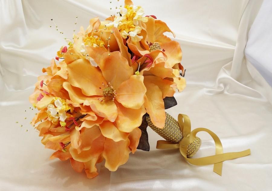 "Hochzeit - Round Bouquet 13""/ Realistic Artifical flowers/ Wedding/ Sweet Sixteen/ Quinceanera/ Gold decorative bouquet holder/Bridal bouquet"
