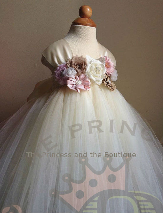 Свадьба - flower girl dress, flower girl dresses, ivory flower girl dress, blush flower girl dress, baby dress, child dress, birthday outfit