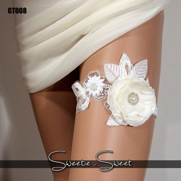 Свадьба - Wedding Garter, Bridal Garter, Floral Garter, Flower Garter, Lace Garter, Wedding Keepsake, Toss Garter, Rhinestone Garter GT008