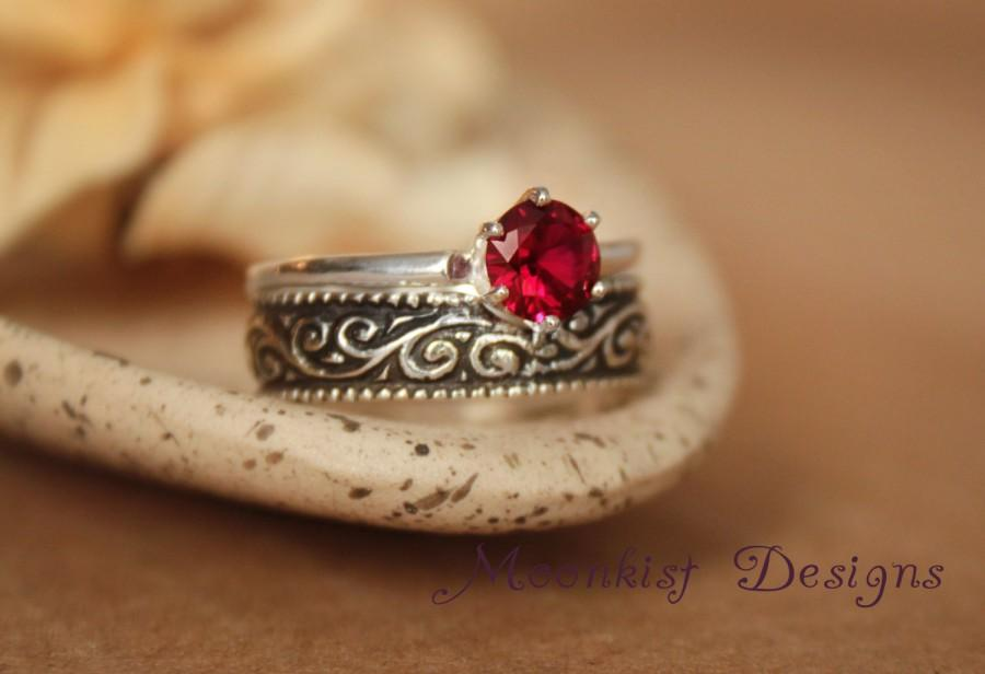 Mariage - Ruby Solitaire with Wide Sterling Silver Pattern Band - Vintage-Style Classic Solitaire with Wide Silver Swirl Band - July Birthstone Ring