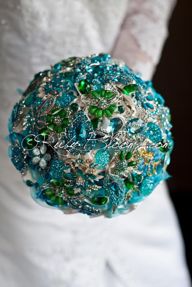 "Hochzeit - Turquoise Blue Wedding brooch bouquet. ""Ocean Breeze"" Jewelry heirloom Blue Bouquet. Sapphire Teal Blue bridal broach bouquet by Ruby Blooms"