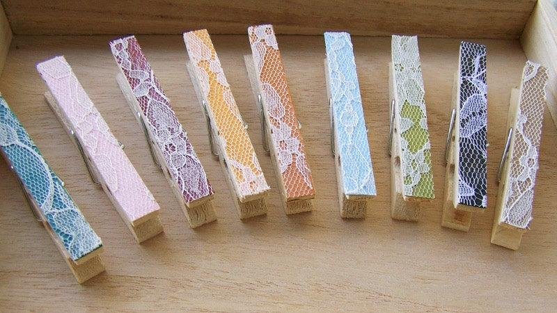 زفاف - Lace Clothespins -Choose Your Own Color - Wedding Shower Favor Clothespin -Shabby Chic Wedding -Escort Card Holders -Country Wedding
