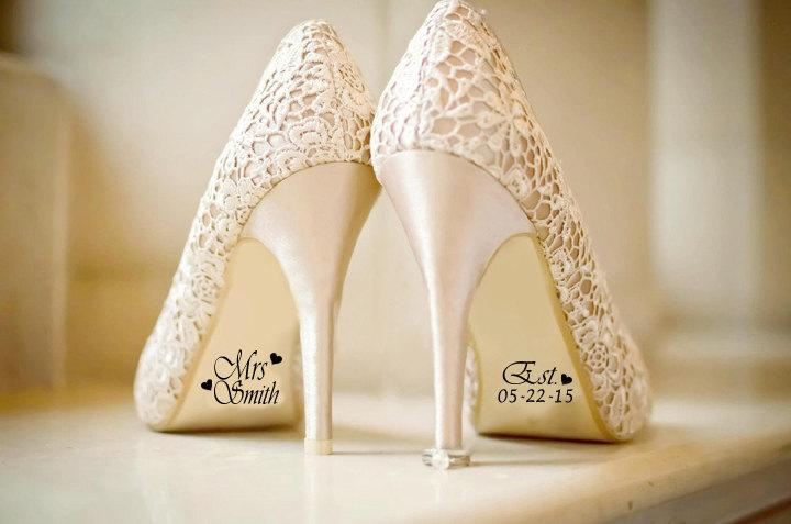 Свадьба - Bridal Shoe Decal for Wedding with Date and Hearts, Wedding Decorations, Shoe Decal, Photography, Shoe Stickers