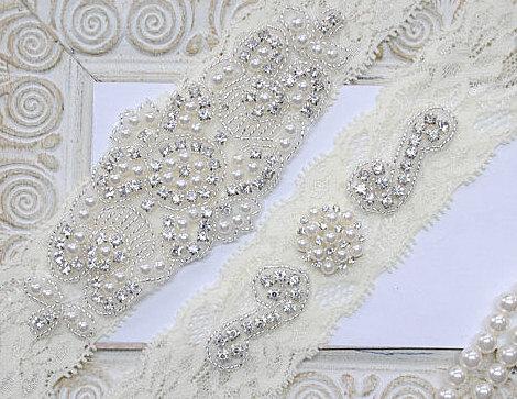 Свадьба - Wedding Garters Bridal Garters Lace Garter Rhinestone Crystal Bridal Garter Toss Garter and Keepsake Garder Rhinestone Garter Ivory Lace