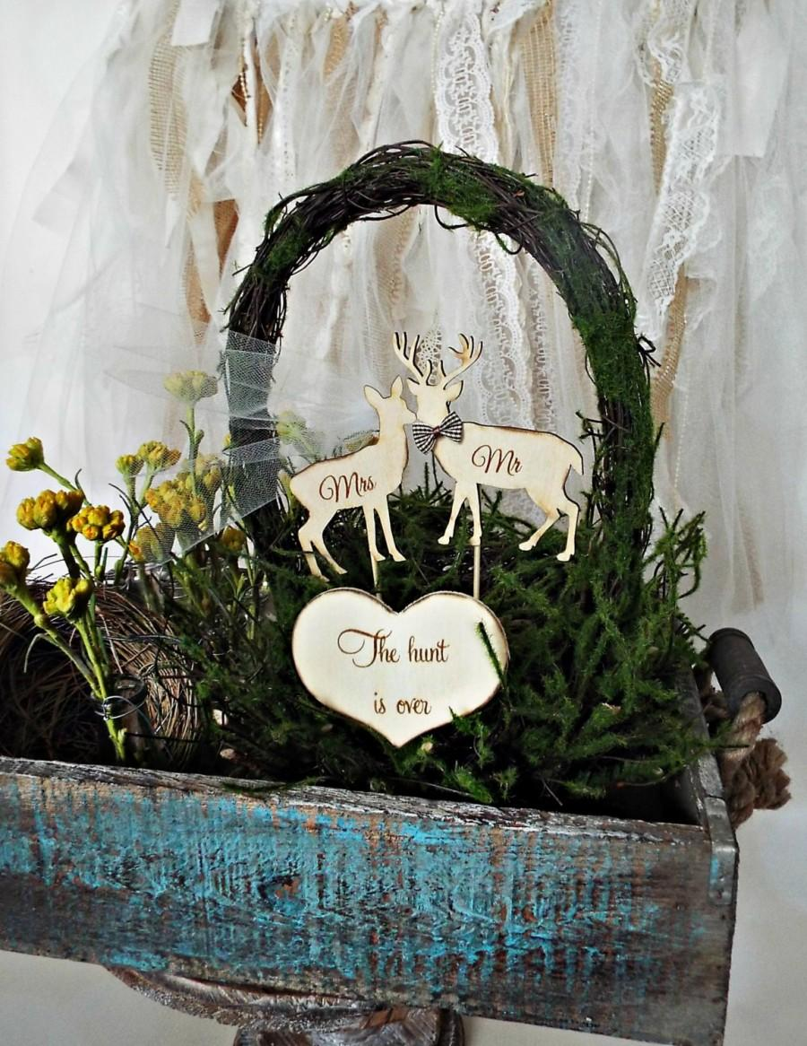 Свадьба - Deer hunter-deer wedding-deer on sticks-wood deer-The hunt is over-Mr and Mrs-sign-groom's cake-rustic-wedding-cake topper-country-animal