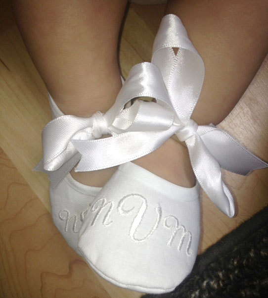 Свадьба - Wedding Shoes - Baby Baptism Shoes - Monogrammed White Booties - Baby Shoe Christening - Newborn to 14 months sizes