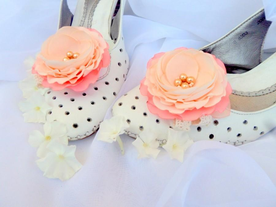 Свадьба - Peach wedding,Shoes Clips,Silk Flower, Wedding Shoes, Peach coral flowers,Wedding  Accessories, Bride, gift,Peach flowers, Peach Shoes Clips