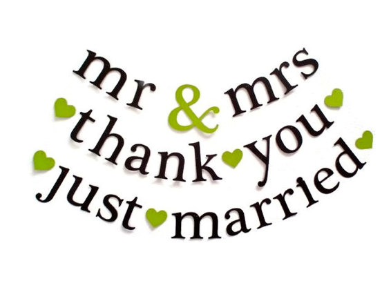 Boda - SHIPS PRIORITY.  3 Banners.  mr & mrs / thank you / just married.  Wedding Decorations.  Bridal Shower.  Photo Prop.  5280 Bliss.
