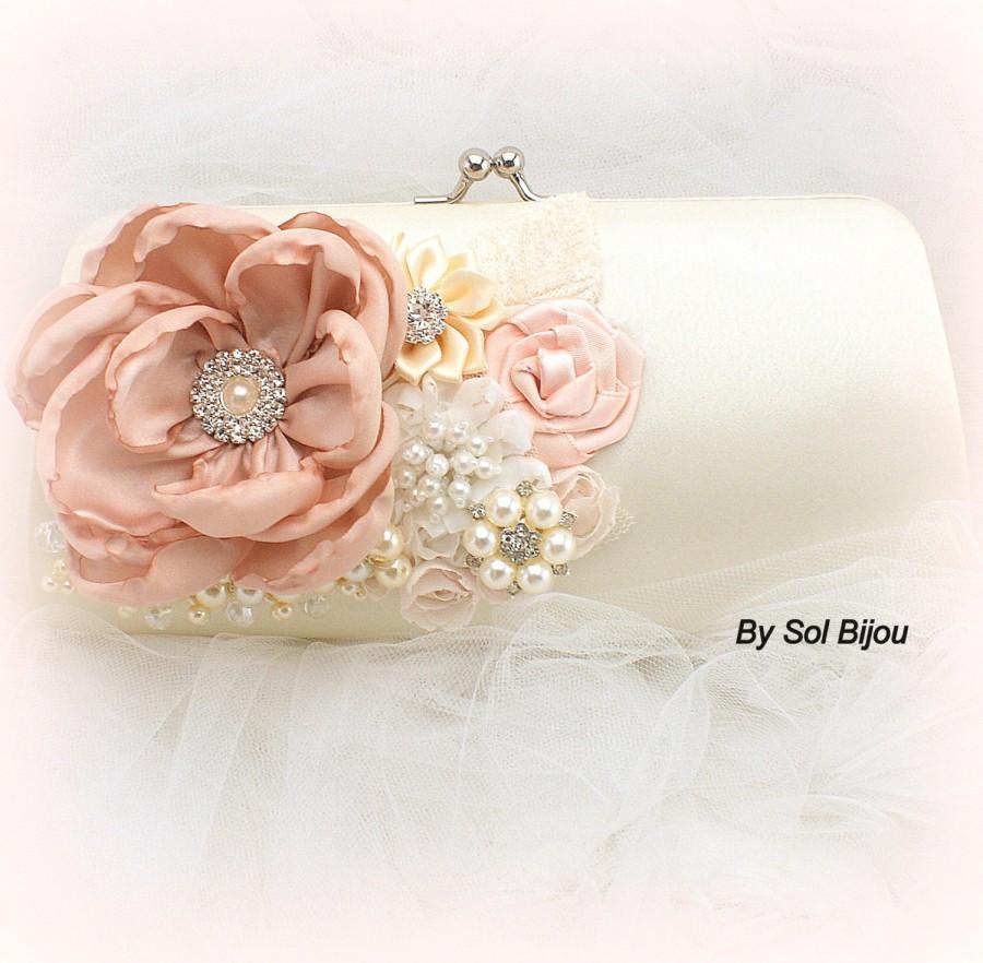 Mariage - Clutch, Blush, Cream, Ivory, Bridal, Elegant Wedding, Handbag, Purse, Mother of the Bride, Crystals, Pearls, Brooch, Vintage, Gatsby
