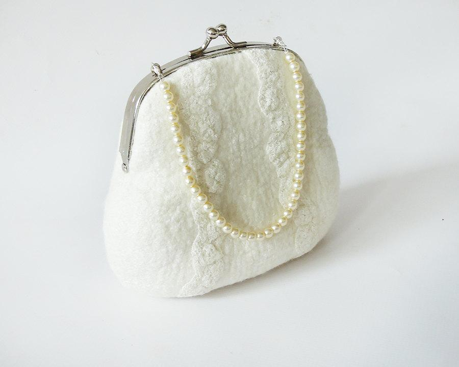 Свадьба - Metal Frame Clip Purse for Bridal - white purse - bridal purse - wedding cluth - bridal bag (Handmade to order)