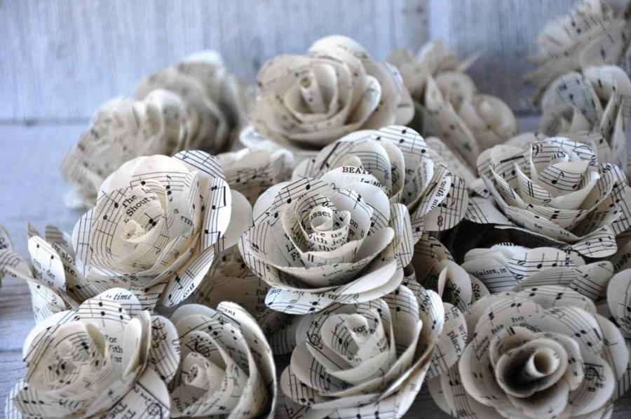 Hochzeit - Music Sheet  Paper Roses for Weddings and Craft Projects