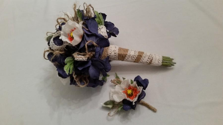 Mariage - Denim blue Hydrangea Bridal bouquet with white poppies, twine and ivory crocheted lace with matching boutonniere