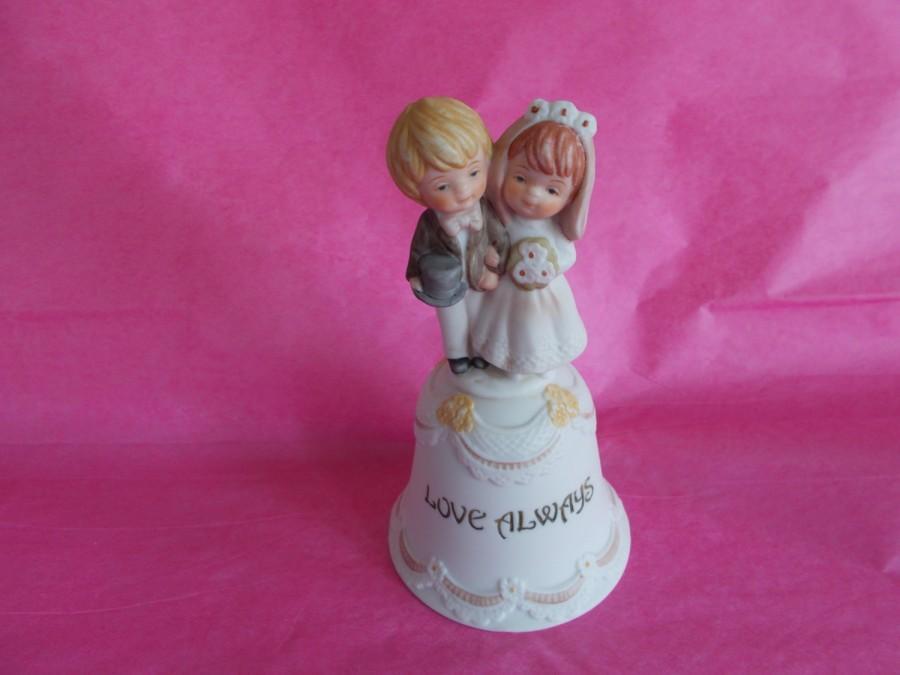 Свадьба - Vintage Bisque Porcelain Enesco Bride And Groom Bell