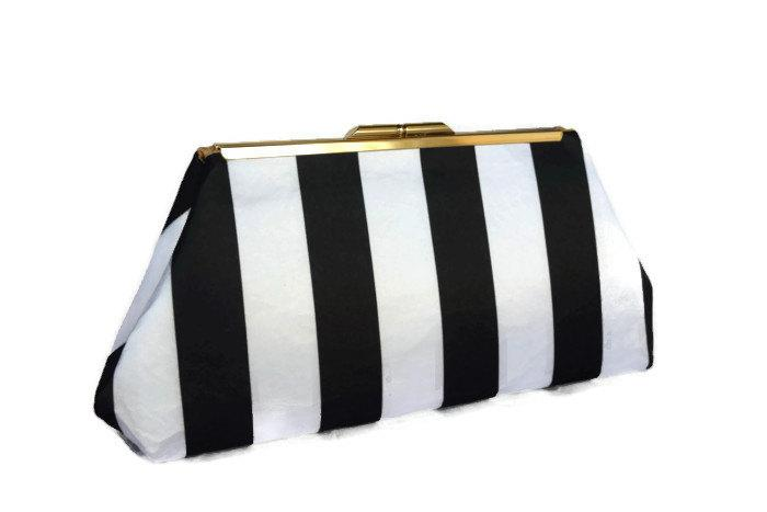 زفاف - Black & white striped silk clutch/ Bridal accessory/ Wedding clutch purse/  bridal purse ,bridesmaid gift purse/ Black and white wedding
