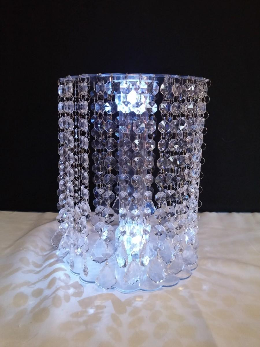 Deluxe French Pendant Drop Acrylic Crystal Cake Stand With