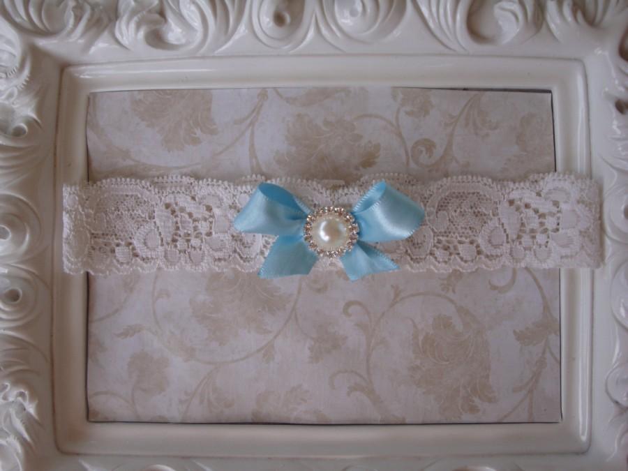 Свадьба - Wedding Garter - Bridal Garter - Toss Garter - Ivory Lace Garter with Satin Bow and Pearl